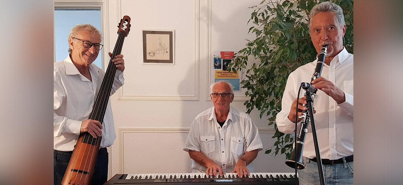 via-cassia-Sunny-Side-Jazz-Band